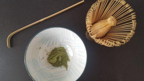 hoe maak je een kop matcha thee