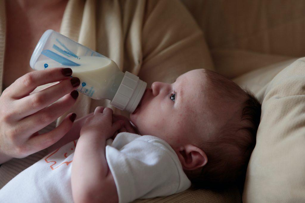flesvoeding vanaf geboorte ervaring tips taboe colostrum