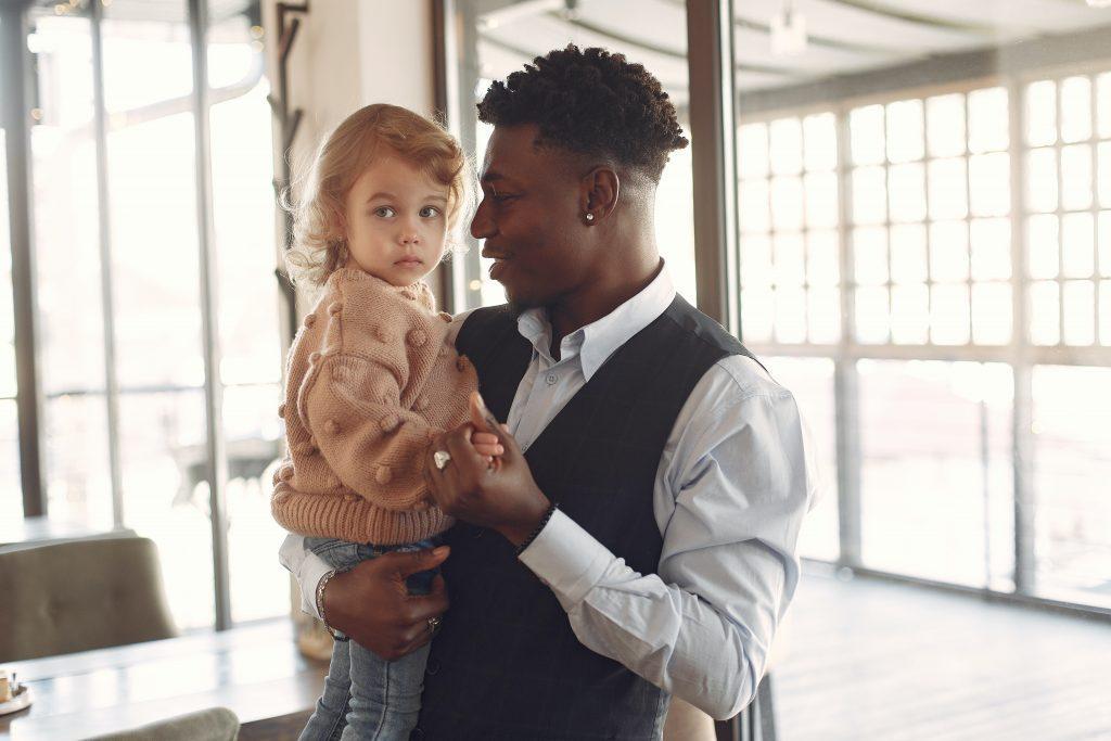 hoe hou je relatie leuk na bevalling tips