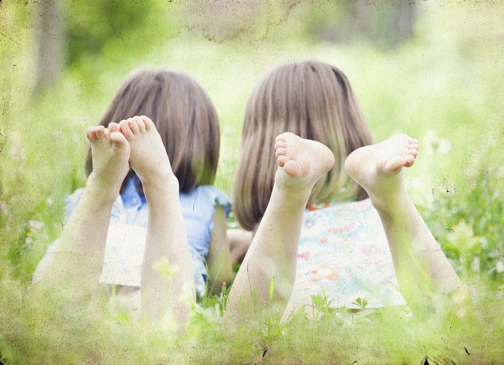 tweeling klein leeftijdsverschil anders