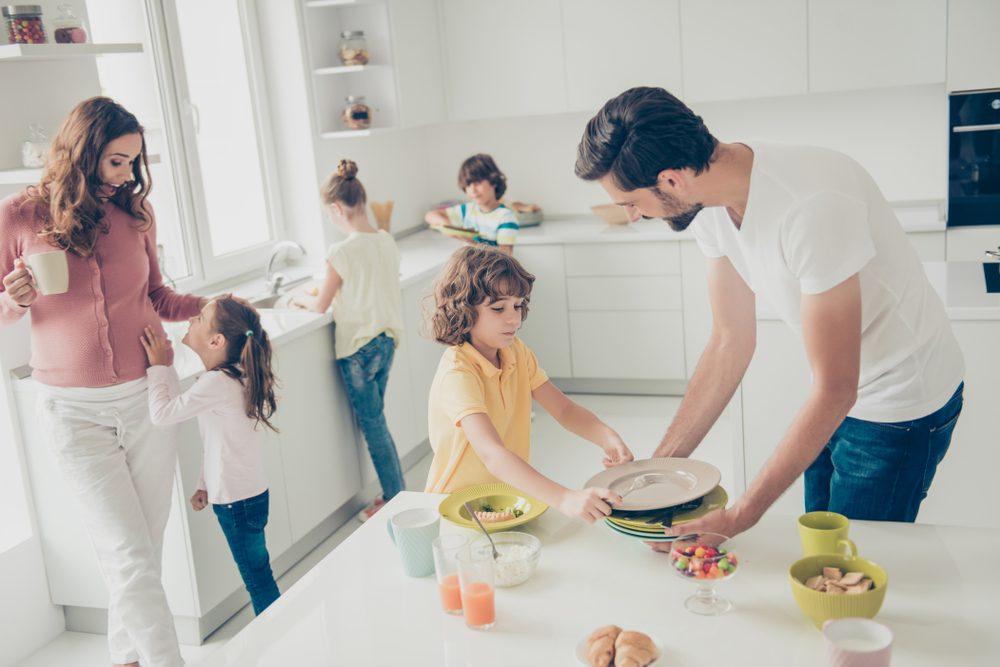 opruimtips huishouden werkende drukke ouders gezin