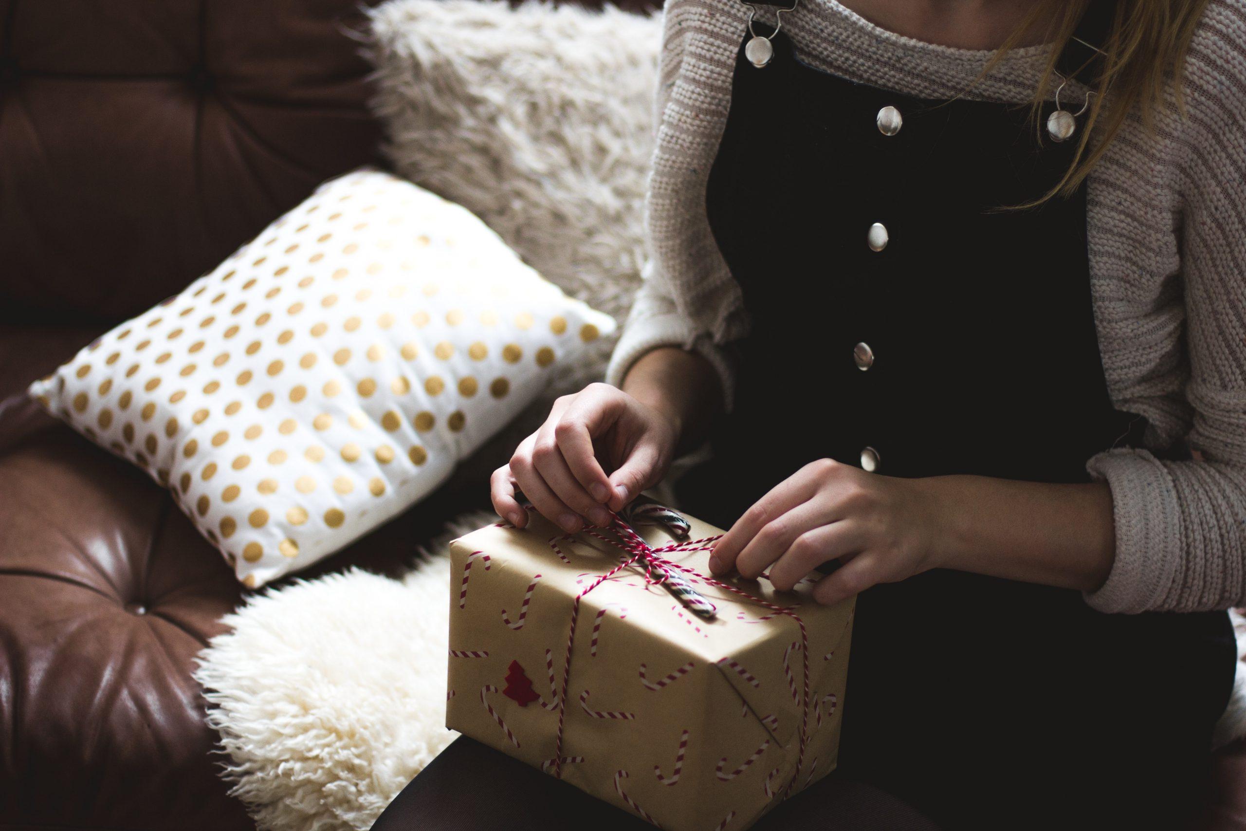 cadeaus kopen voor anderen hoe doe je dat tips