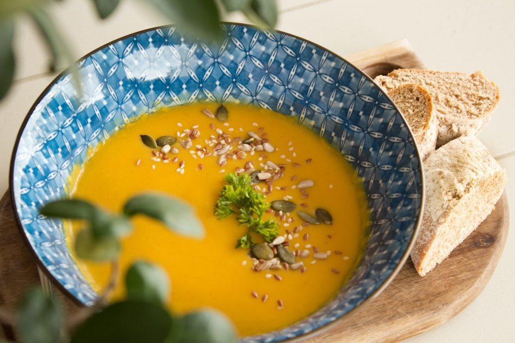herfstsoep inspiratie paddenstoelen pompoen pastinaak wortel zoete aardappel soep